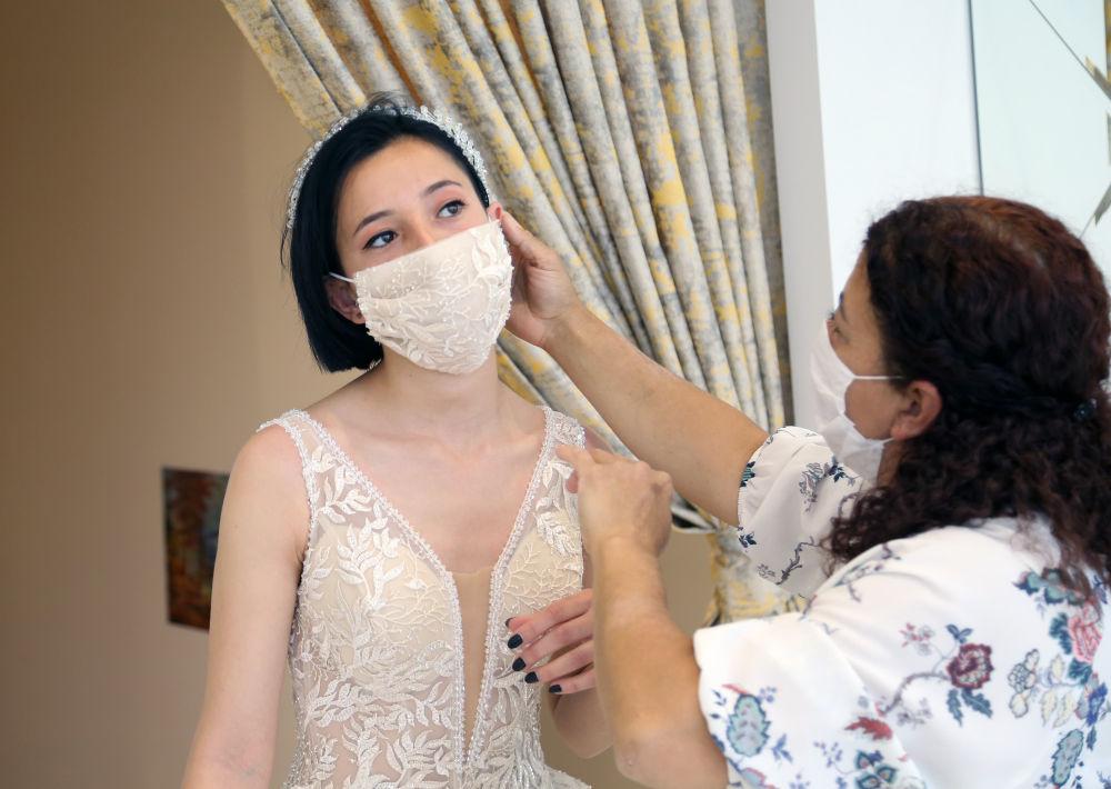有口罩的特殊婚纱(图5)