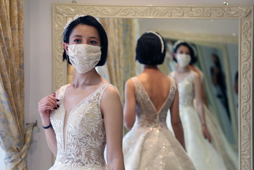 有口罩的特殊婚纱(图3)